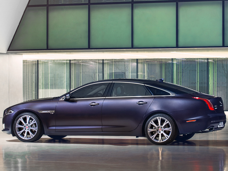 The Jaguar Xjl Is Long Lean Luxurious And Spectacular To Look At
