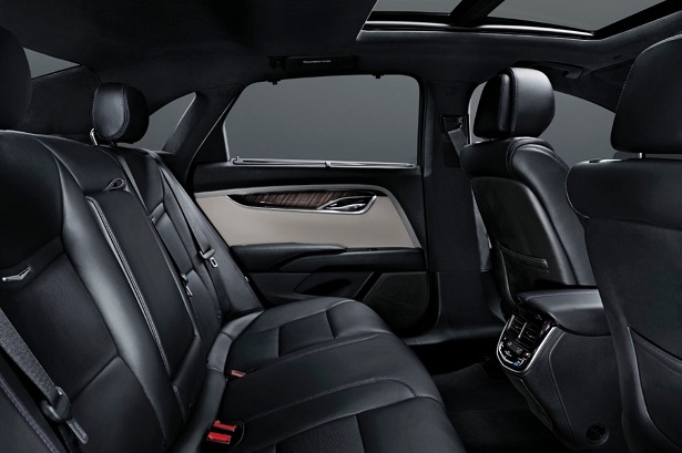 While The Rear Middle Seat Wont Benefit Much From Available Outer Heaters Its Still A Wonderful Place To Sit