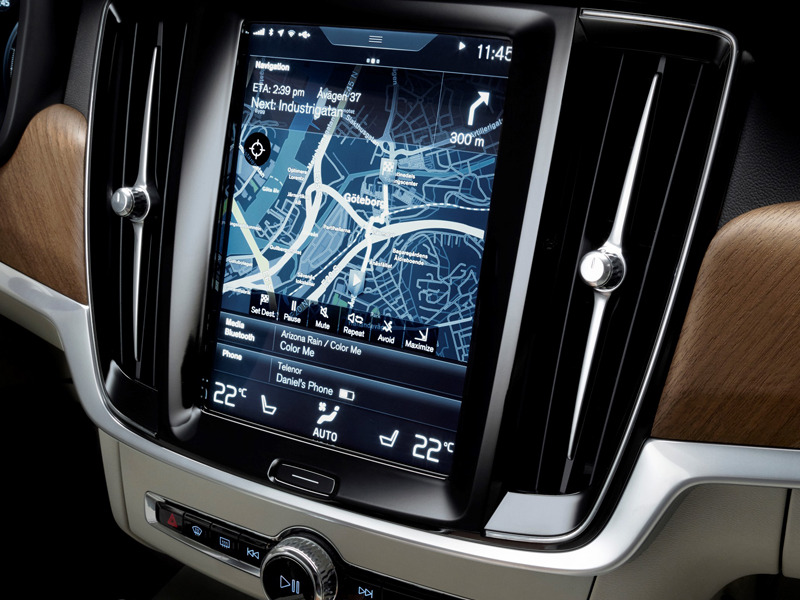 5 car brands with the best infotainment systems web2carz. Black Bedroom Furniture Sets. Home Design Ideas