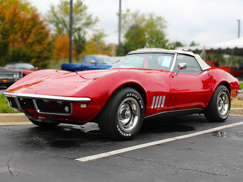 Hitting the Car Auction Scene with Mecum | Web2Carz