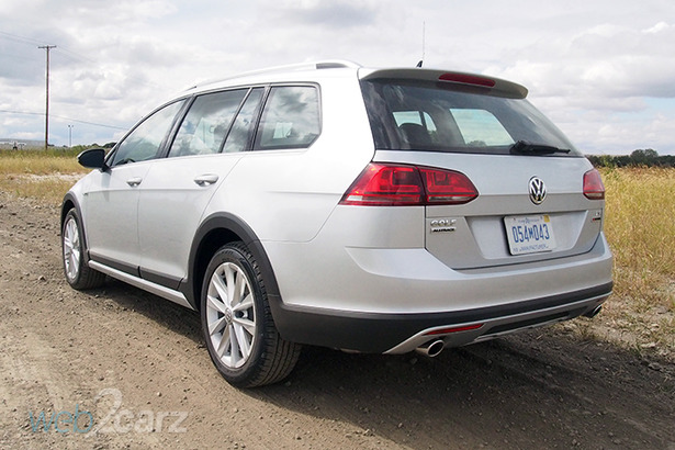 vw alltrack rear 34