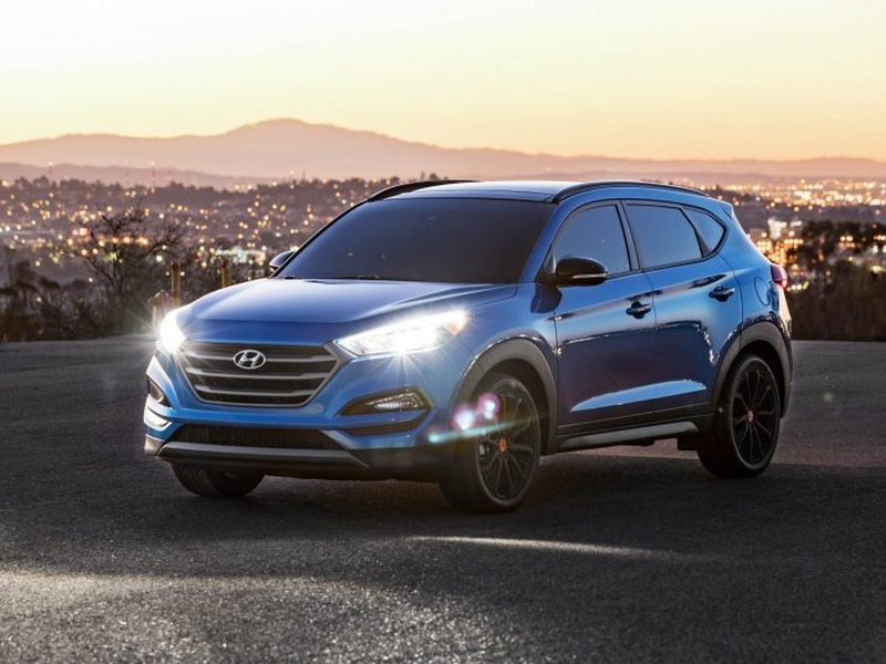 the hyundai tucson night edition offers a dark cuv package. Black Bedroom Furniture Sets. Home Design Ideas