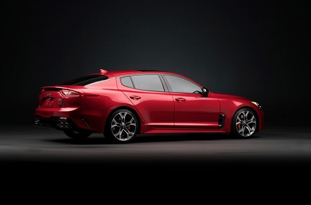 kia stinger gt rear 34