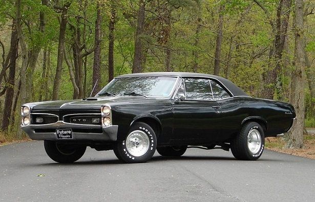 The Biggest Baddest Muscle Cars From The Past