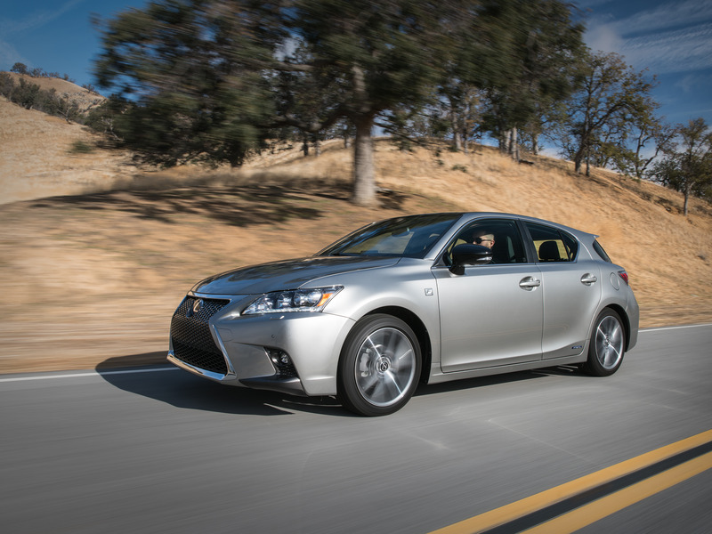 The Lexus CT 200h has no recalls whatsoever.