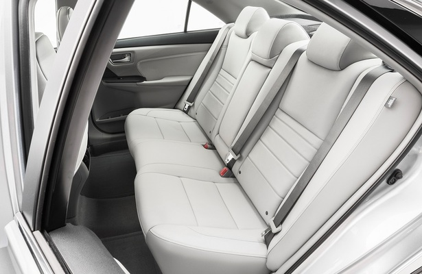 Back In The Day When Long Bench Seats Ruled Automotive World Second Row Middle Seat Wasnt All That Bad Sure You Lacked Armrests And Had A