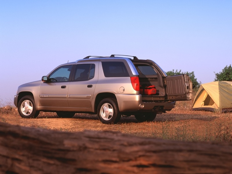 The GMC Envoy XUV was innovative, but it was a total disaster.