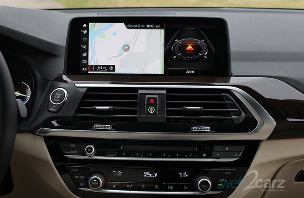 2018 BMW X3 xDrive30i infotainment