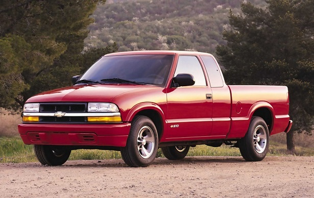 Chevrolet S-10 second generation in red