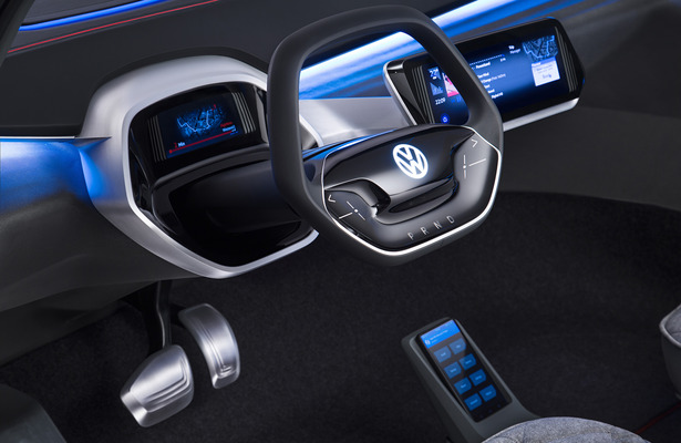 VW I.D Crozz Concept steering wheel and dash