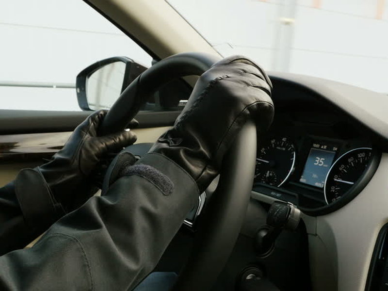 When the temperature drops, you'd better have some driving gloves.