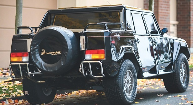 Lamborghini LM002 black rear 34
