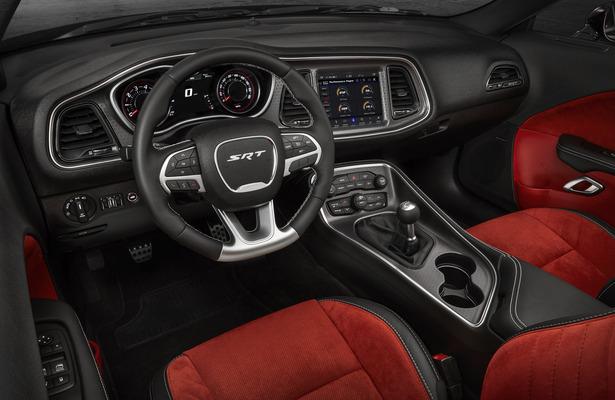 Manual Transmission In A Dodge Challenger Srt