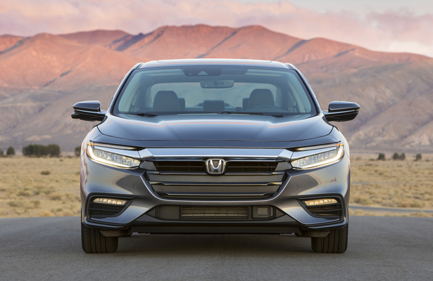 2019 Honda Insight front end