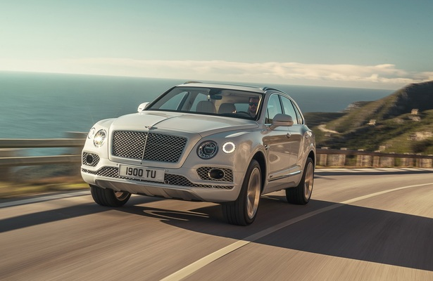 Bentley Bentayga Hybrid front view
