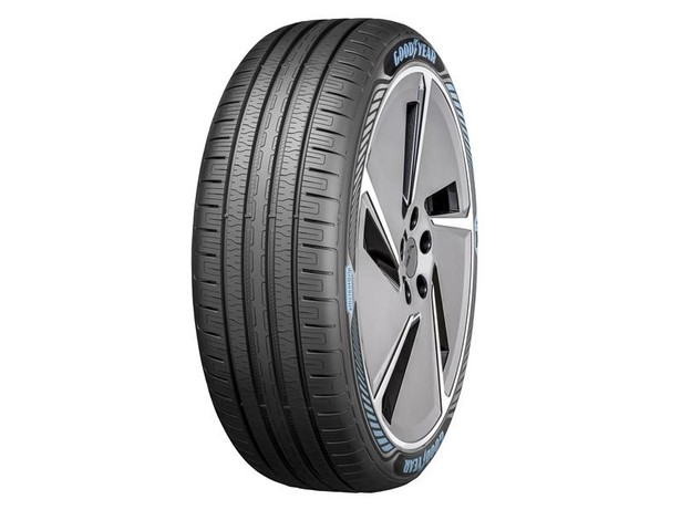 goodyear efficient grip with electric drive technology tire 34 view