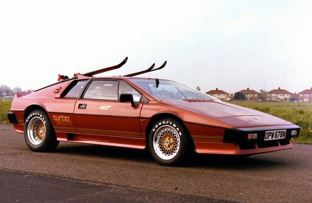Lotus Esprit Turbo with a ski rack and skis attached.