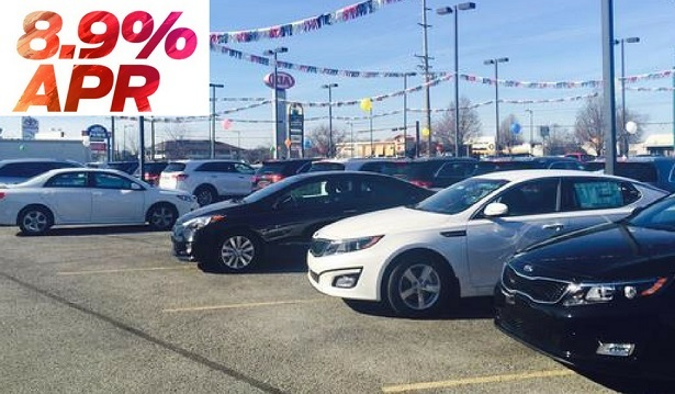 used car lot with interest rate