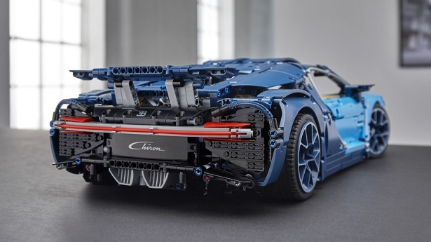 the best lego technic cars start with the new bugatti chiron web2carz. Black Bedroom Furniture Sets. Home Design Ideas