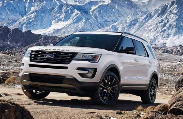 2018 ford explorer white