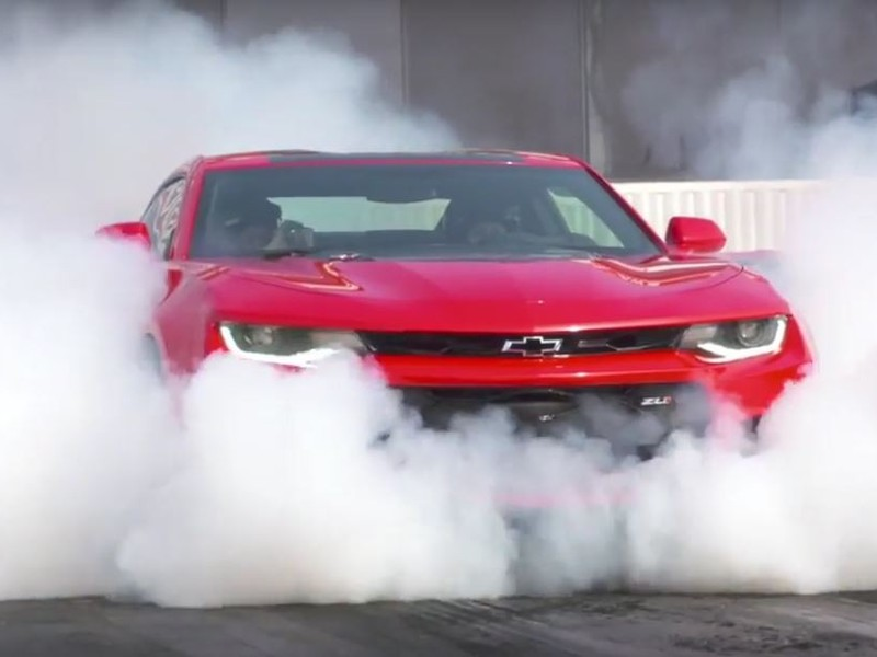 What's a good muscle car without a bit of tire smoke? (image: Autoguide)