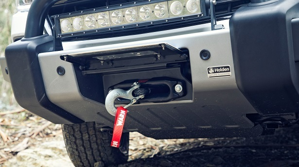 holden colorado z71 white front winch