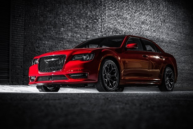 chrysler 300 red front 34