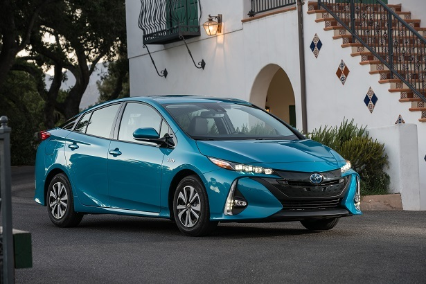 as if we needed more evidence that the toyota prius is ugly web2carz. Black Bedroom Furniture Sets. Home Design Ideas