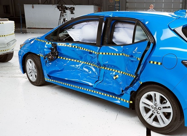 Toyota Corolla Crash Test