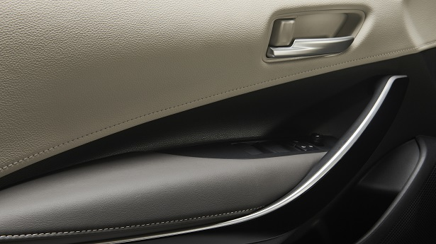 2019 toyota corolla door panel