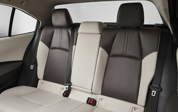 2019 toyota corolla rear seats