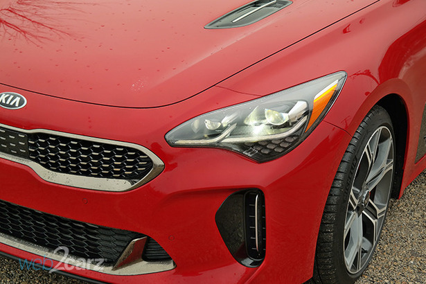 kia stinger gt red headlight