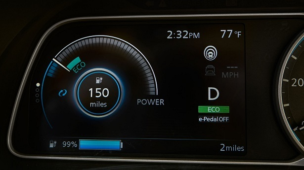 nissan leaf display