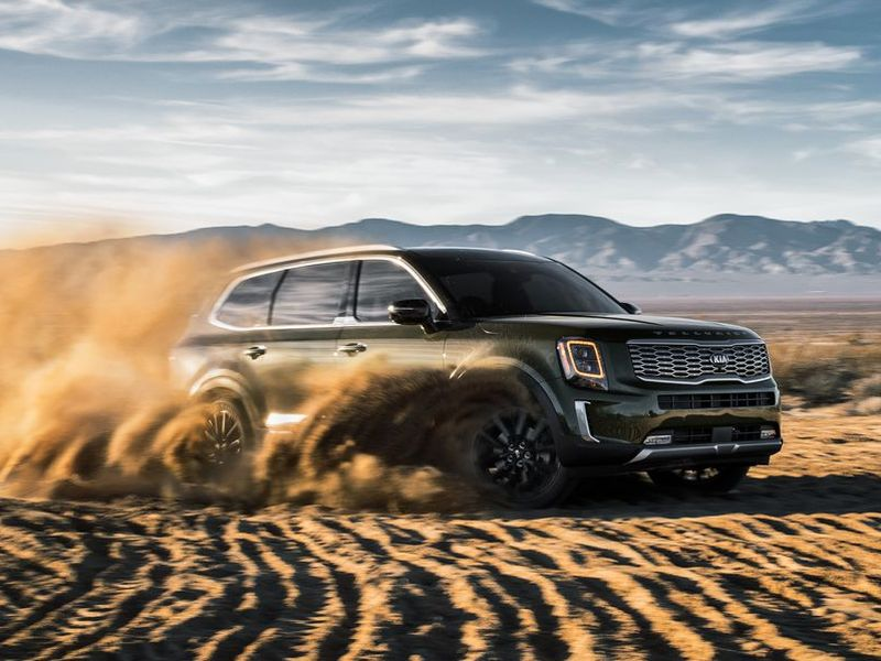 This isn't a rendering. The Telluride tosses some real dirt.