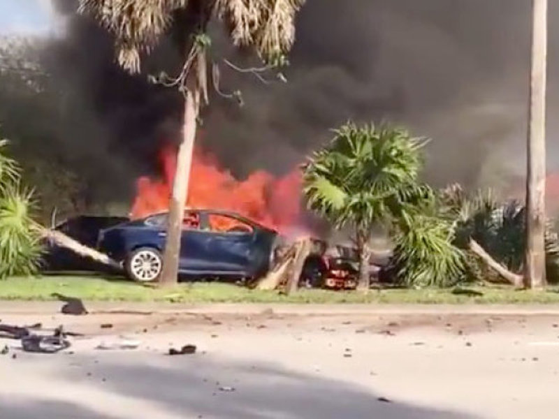 A fiery crash involving a Model S is shown here. The driver didn't survive.