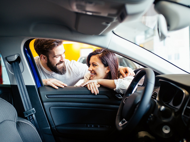 Knowing someone on the inside can pay off when buying a car.
