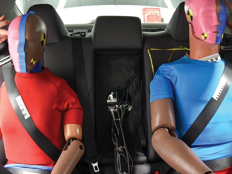 These two are about to take a hard ride. (image: IIHS)