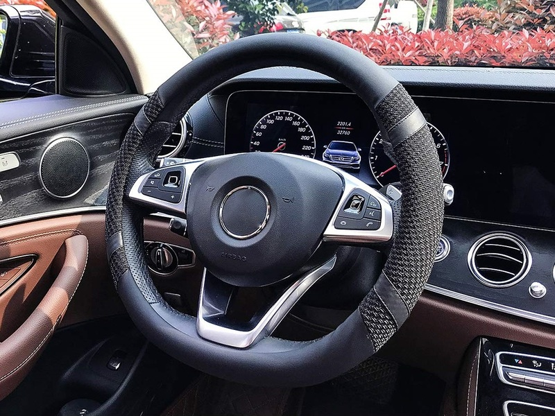 A quality steering wheel cover can prevent 1st degree burns to your palms.