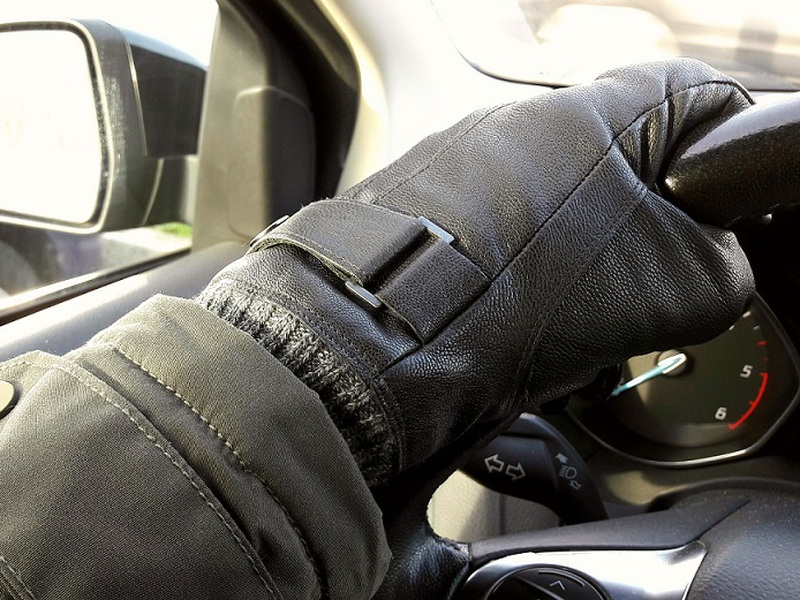 These driving gloves help you stay warm and in control on the road.