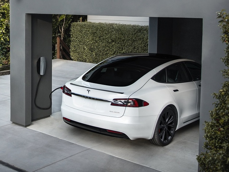 Automakers like Tesla and GM are not impressed. (image: Tesla)