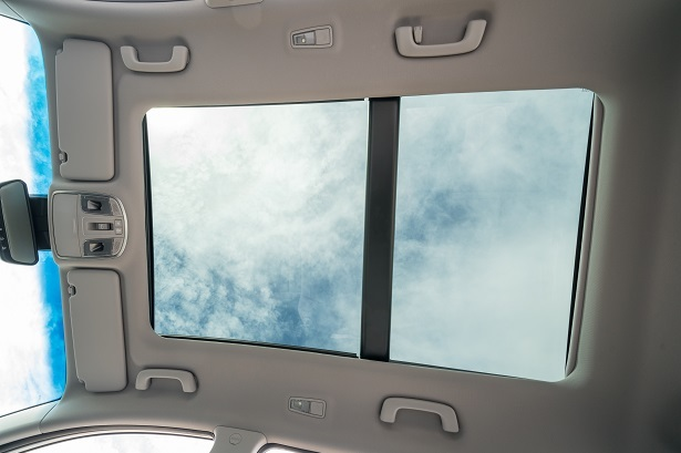 hyundai tuscon panoramic sunroof