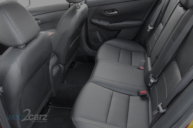 nissan sentra backseat