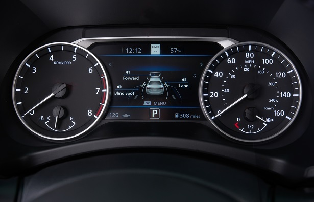 2020 Nissan Sentra driver display