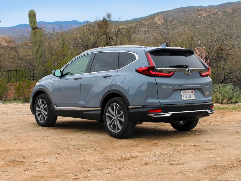 We traveled to Tucson, Arizona to put the CR-V's new hybrid engine to the test.