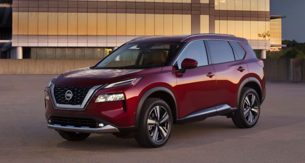 2021 Nissan Rogue front 34