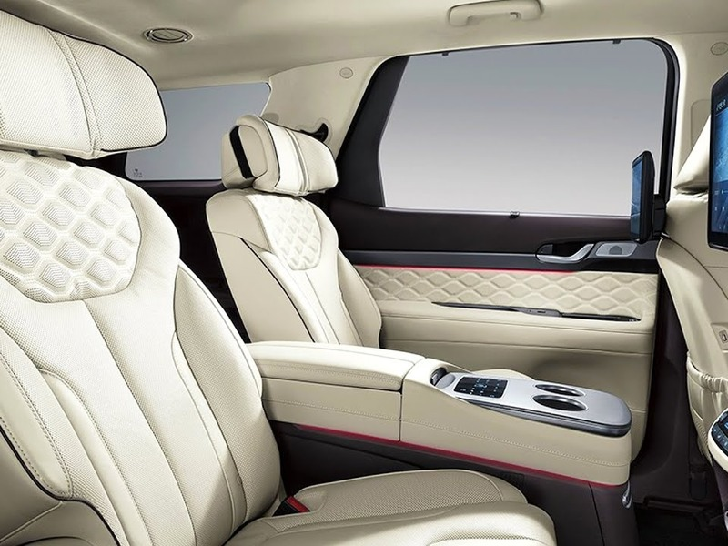 The Hyundai Palisade Calligraphy's interior looks a lot like a Bentley's.