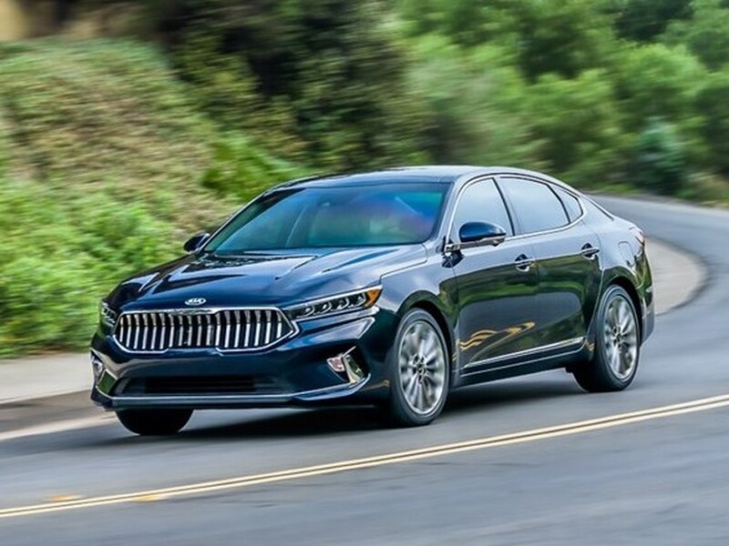 The Cadenza was a looker, but no one noticed.