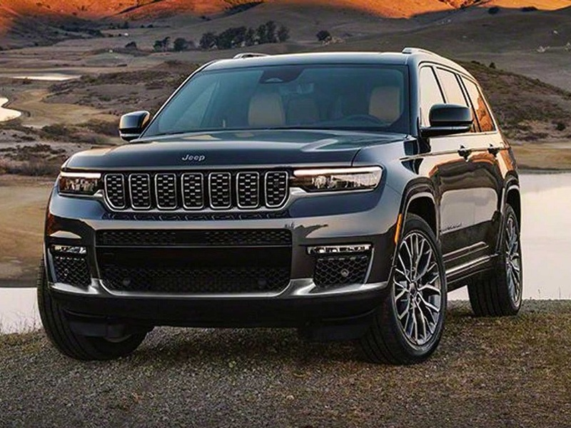 Bring more passengers on your off-road excursion in the new Grand Cherokee L. (Images: FCA)