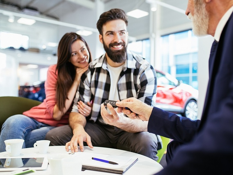 Make that new-to-you car a reality with the right auto loan.