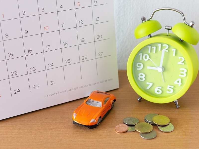Time your car purchase just right to save hundreds on financing costs.